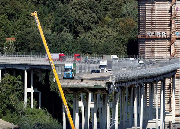 انهيار جسر في جنوى