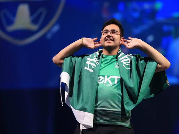 مسعد الدوسري بطل العالم بكرة القدم الالكترونية
