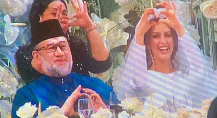 ملك ماليزيا و عروسته ملكة جمال روسيا