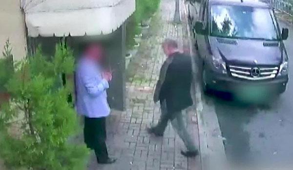 جمال حاشقجي قبل دخوله السفارة السعودية