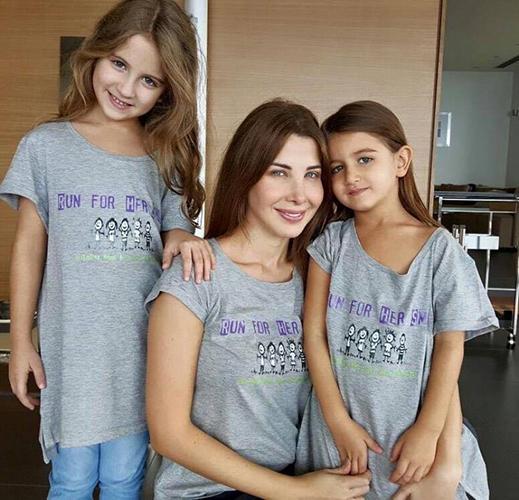 نانسي عجرم مع بناتها