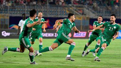 يوسف بلايلي لاعب الجزائر