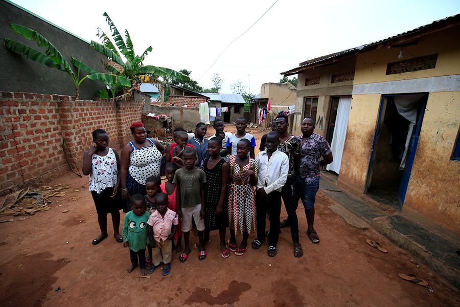 اوغندية تنجب 44 طفل